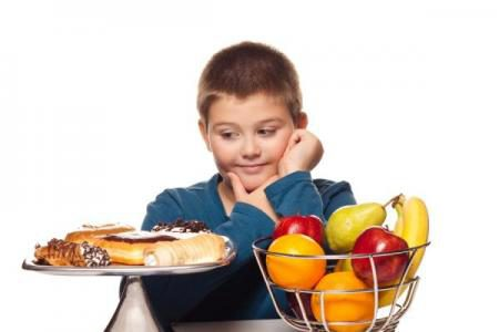 boy-food-choice-120118-w450