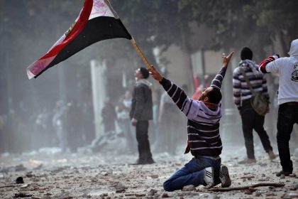 Egyptian protesters clash with the army